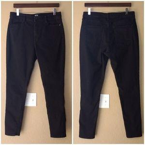 a.n.a. High Rise Skinny Black Denim Jeans